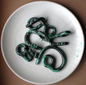 Collage di chiavi,1999 ceramica artistica, Pio Mastrogiacomo, Acerno(SA).