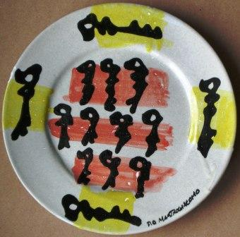 Piatto con chiavi, 1997,ceramica artistica Pio Mastrogiacomo, Acerno (SA).