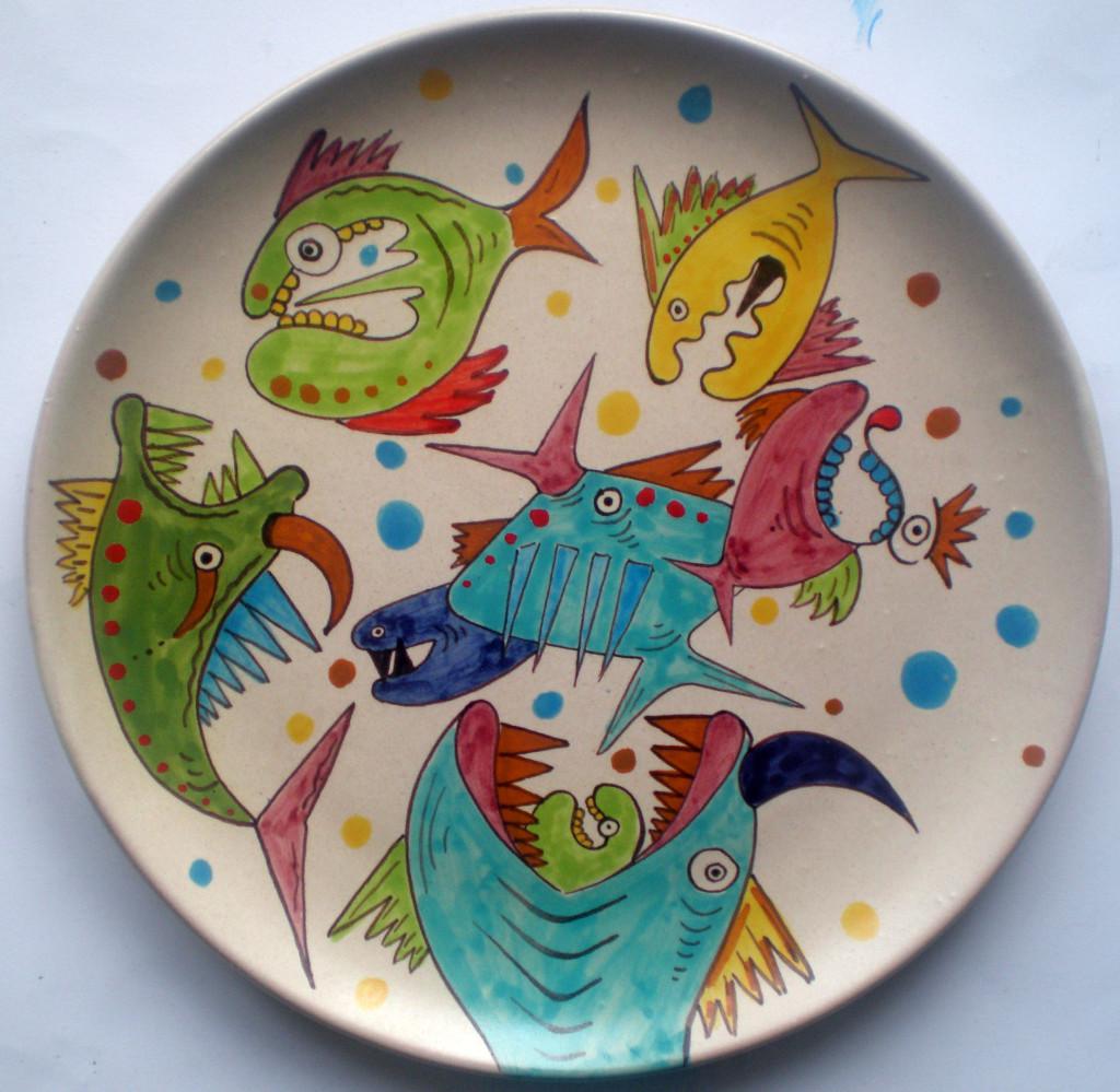 Da un disegno di Pio Mastrogiacomo, 2005 diametro 27 cm, ceramica artistica contemporanea (maiolica), decorazione di Pasquale Mastrogiacomo, Acerno (SA).