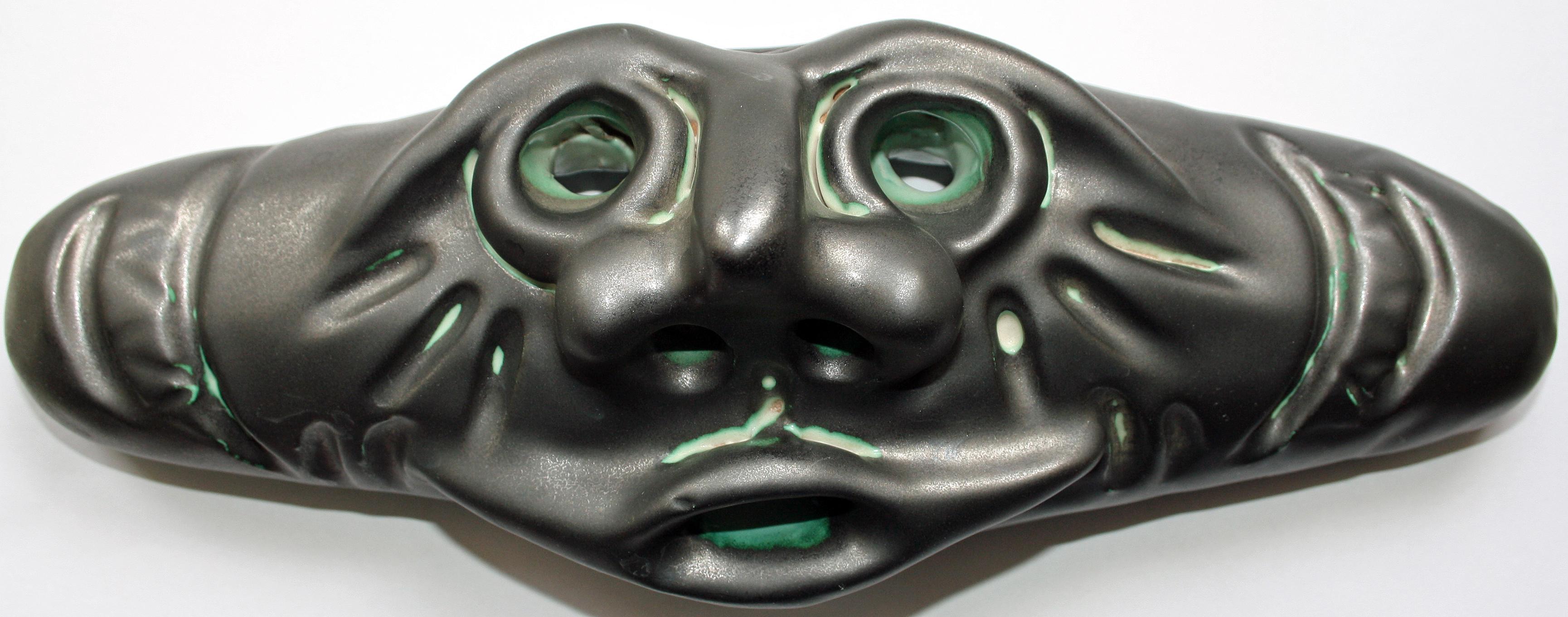 Maschera (Mask), 2005 ceramica artistica (ceramic art), Pio Mastrogiacomo, Acerno (SA).